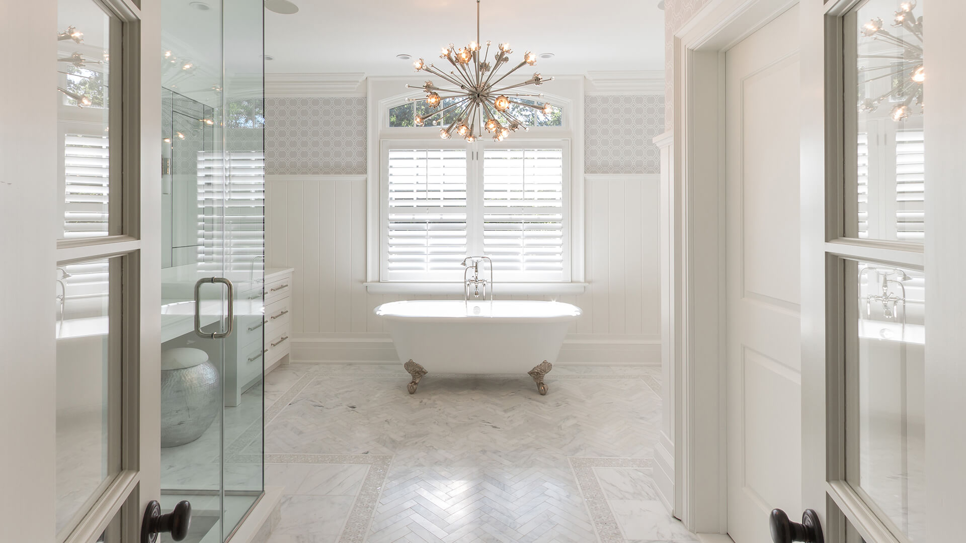 Hamptons beautiful bathroom