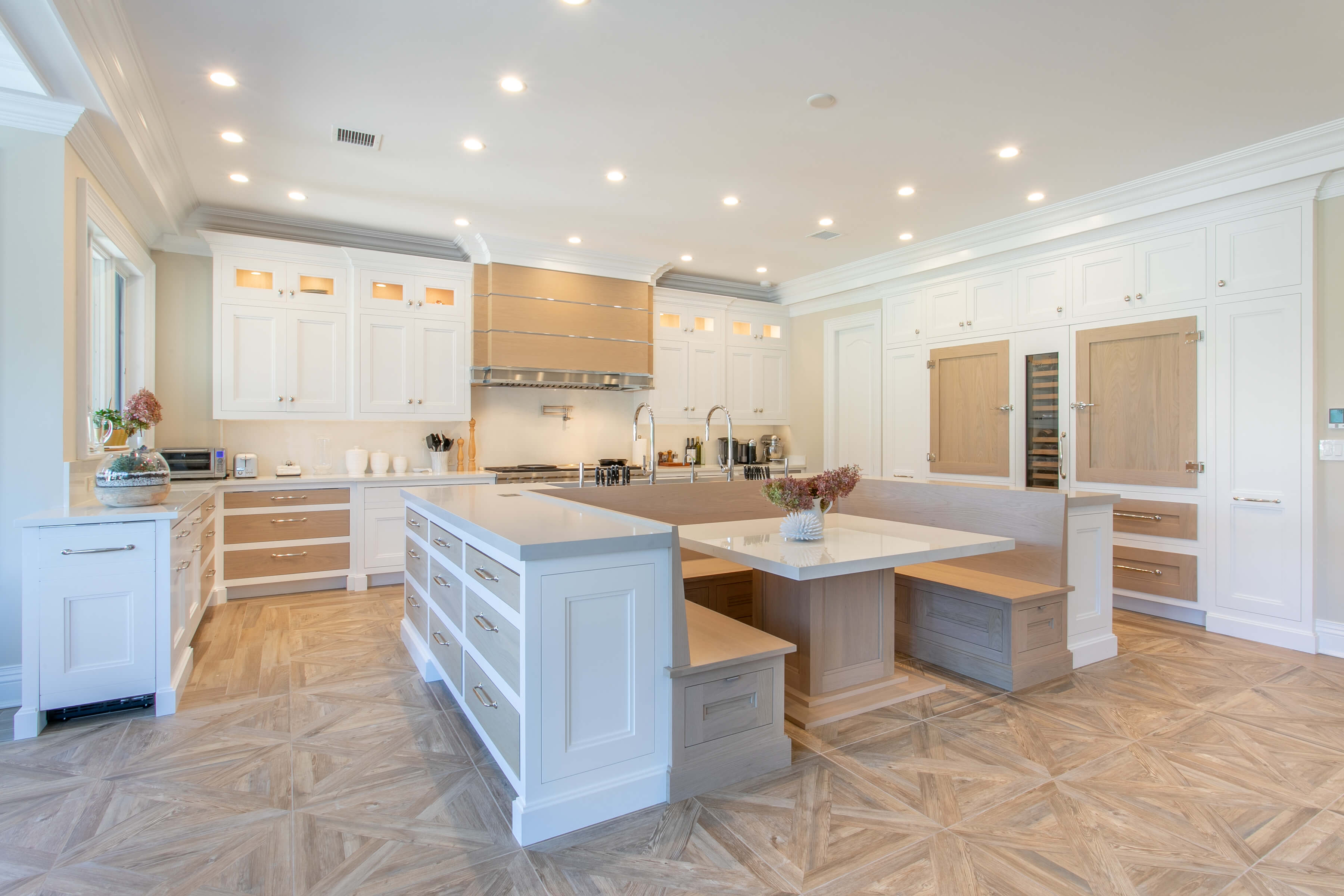 Custom kitchen booth dinning set with pearl walnut wood. Custom range hood and bk kitchen design